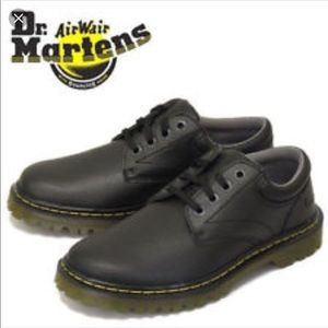 Dr martens lace up black ashfeld air cushion shoes